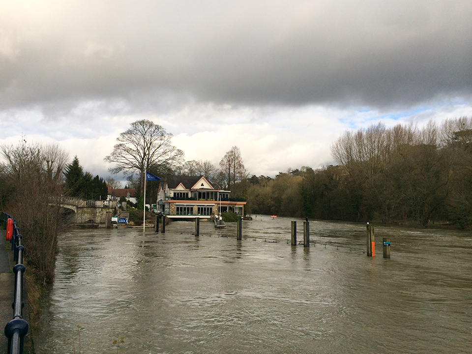 boulters-lock-thames-flooding